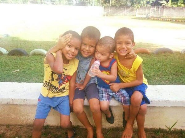 24 Padres EEUU Niños Brasil 1