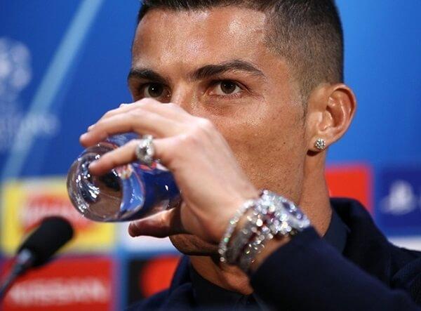25-Renov-Ronaldo-1-12705-39430.jpg