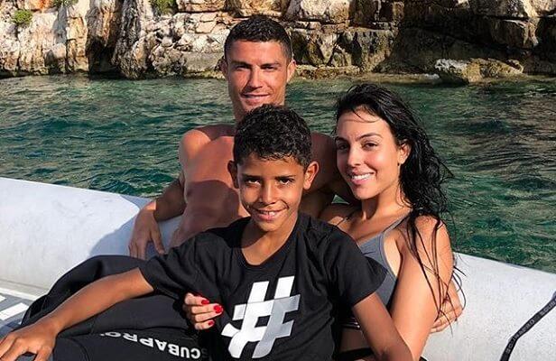 25-Renov-Ronaldo-3-83875-31200.jpg