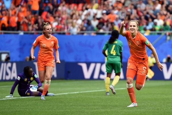 19 Mujeres Futbolistas 15