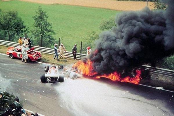 29 Niki Lauda 6