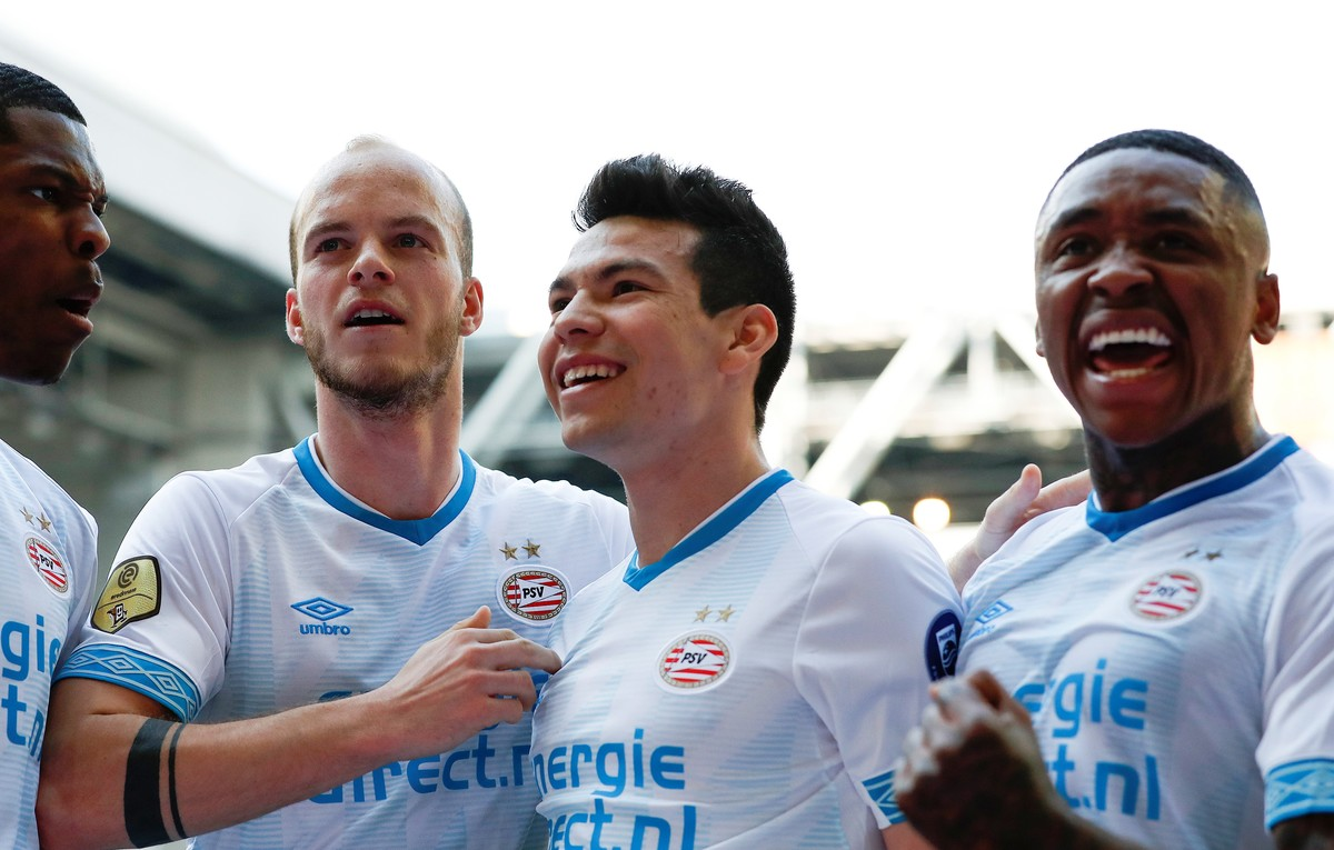 hirving-chucky-lozano-during-match-against-vitesse