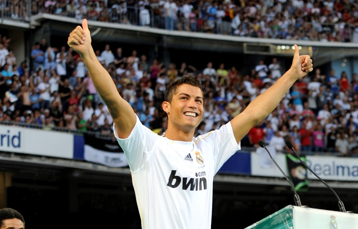 cristiano-ronaldo-official-presentation-real-madrid-2009