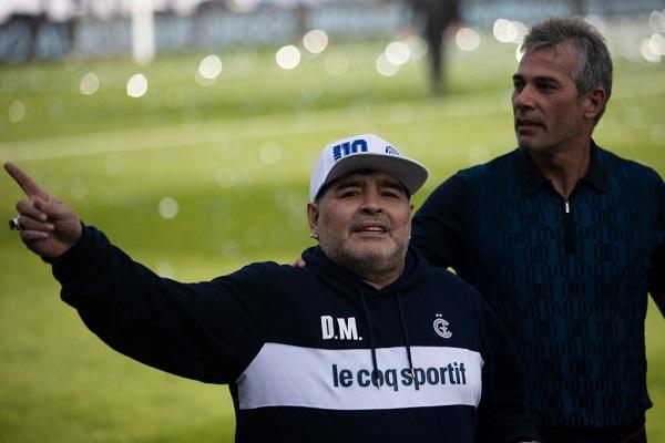 6 Maradona Gimnasia 16