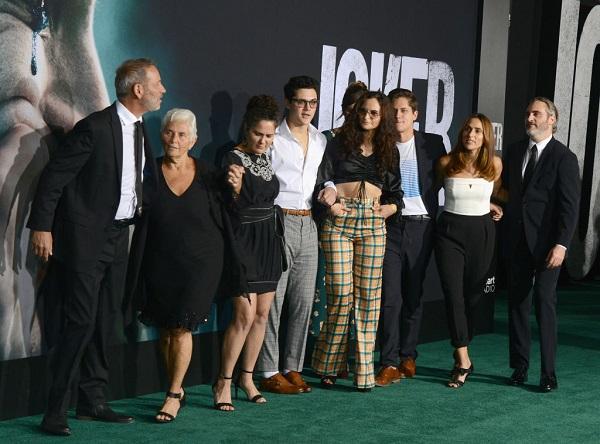 11 Joaquin Phoenix 5