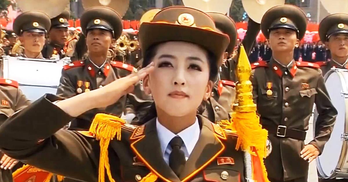 scn-n-korea-woman-saluting