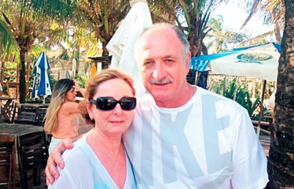felipao-ao-lado-da-sua-esposa-252732