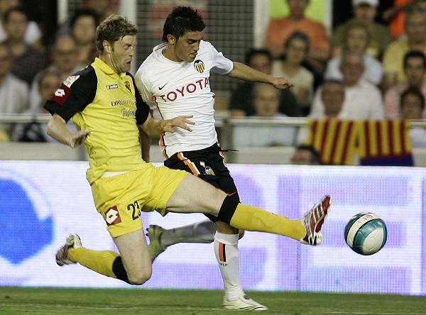 27 David Villa 15