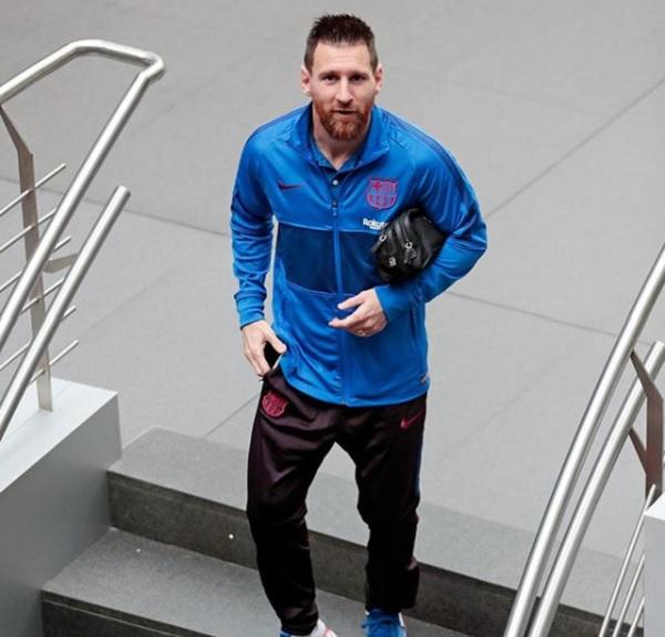 8 Abidal Messi Problema 6