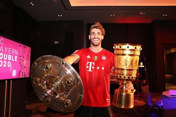 30 Bayern Champions 14