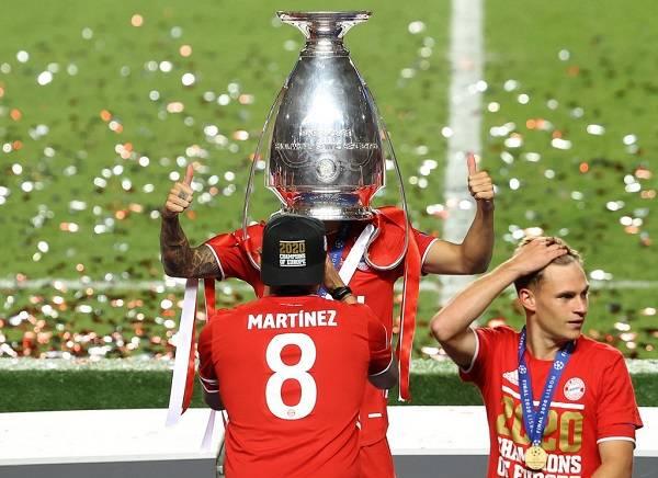 30 Bayern Champions 19