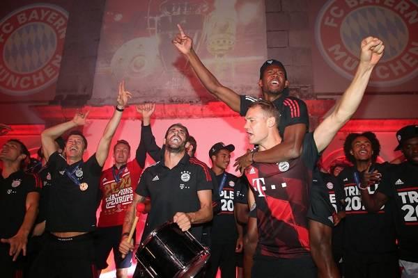 30 Bayern Champions 7