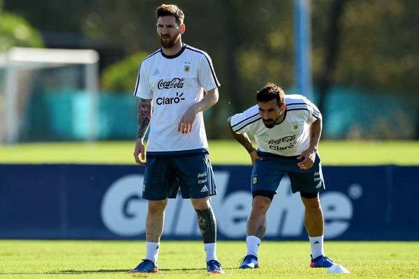 07 Amigos Messi 18