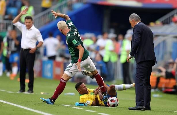 12 Neymar Criticado 11