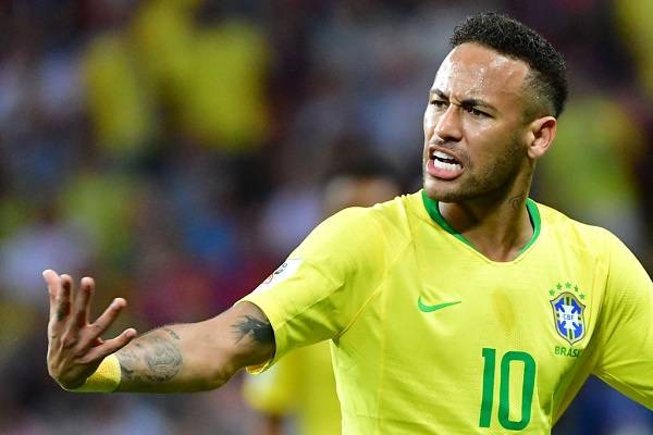12 Neymar Criticado 16