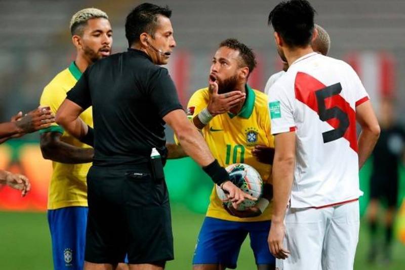 12 Neymar Criticado 2