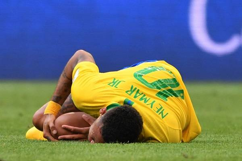 12 Neymar Criticado 8