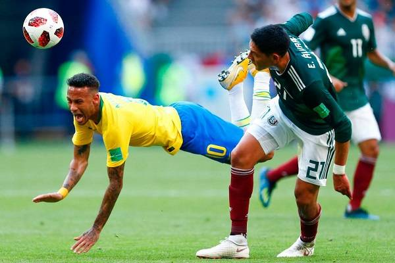 12 Neymar Criticado 9