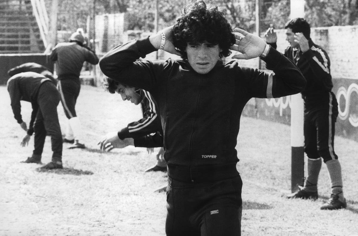 Diego Maradona, 16, warms up 12 Septembe