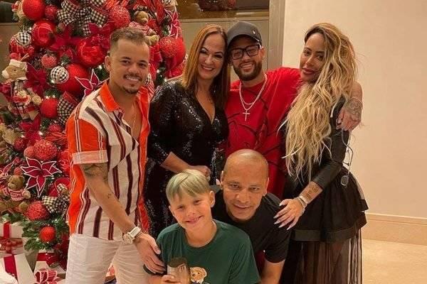 Neymar-e-a-familia-600x400