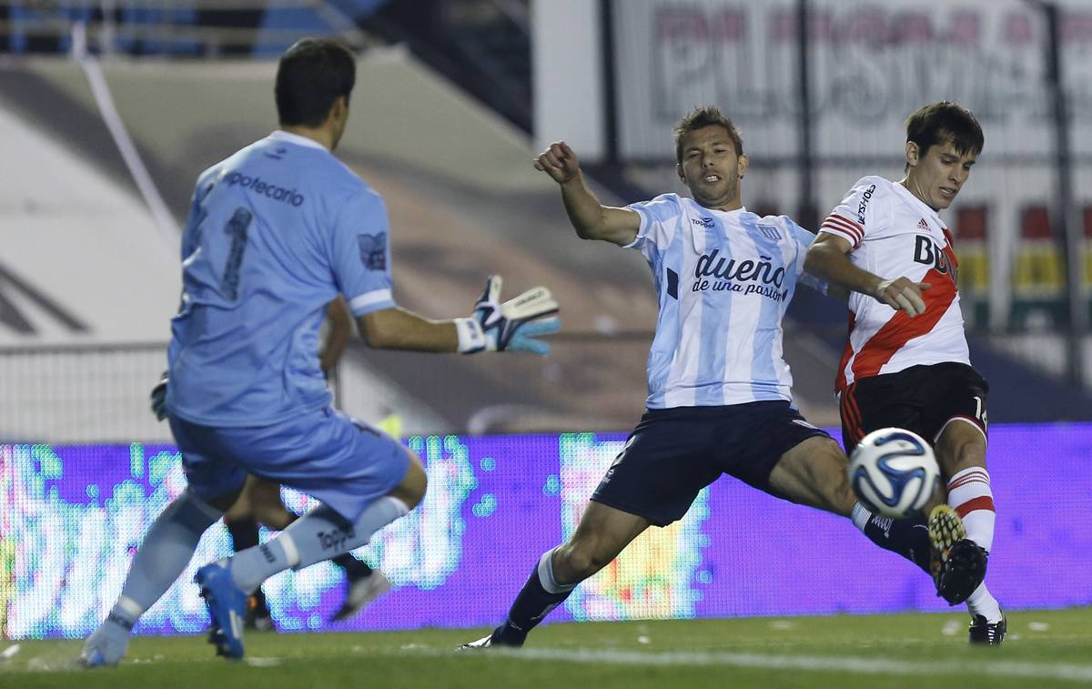 Racing Club v River Plate - Torneo de Transicion 2014