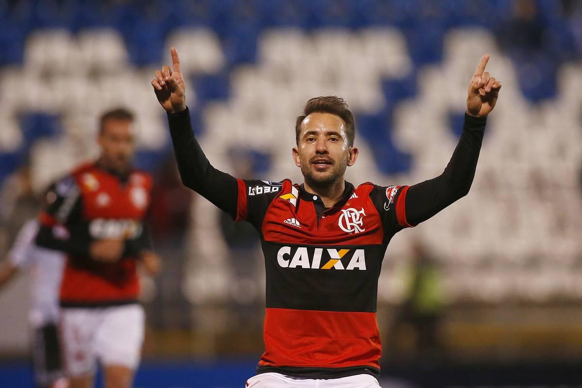 Palestino v Flamengo - Copa CONMEBOL Sudamericana 2017