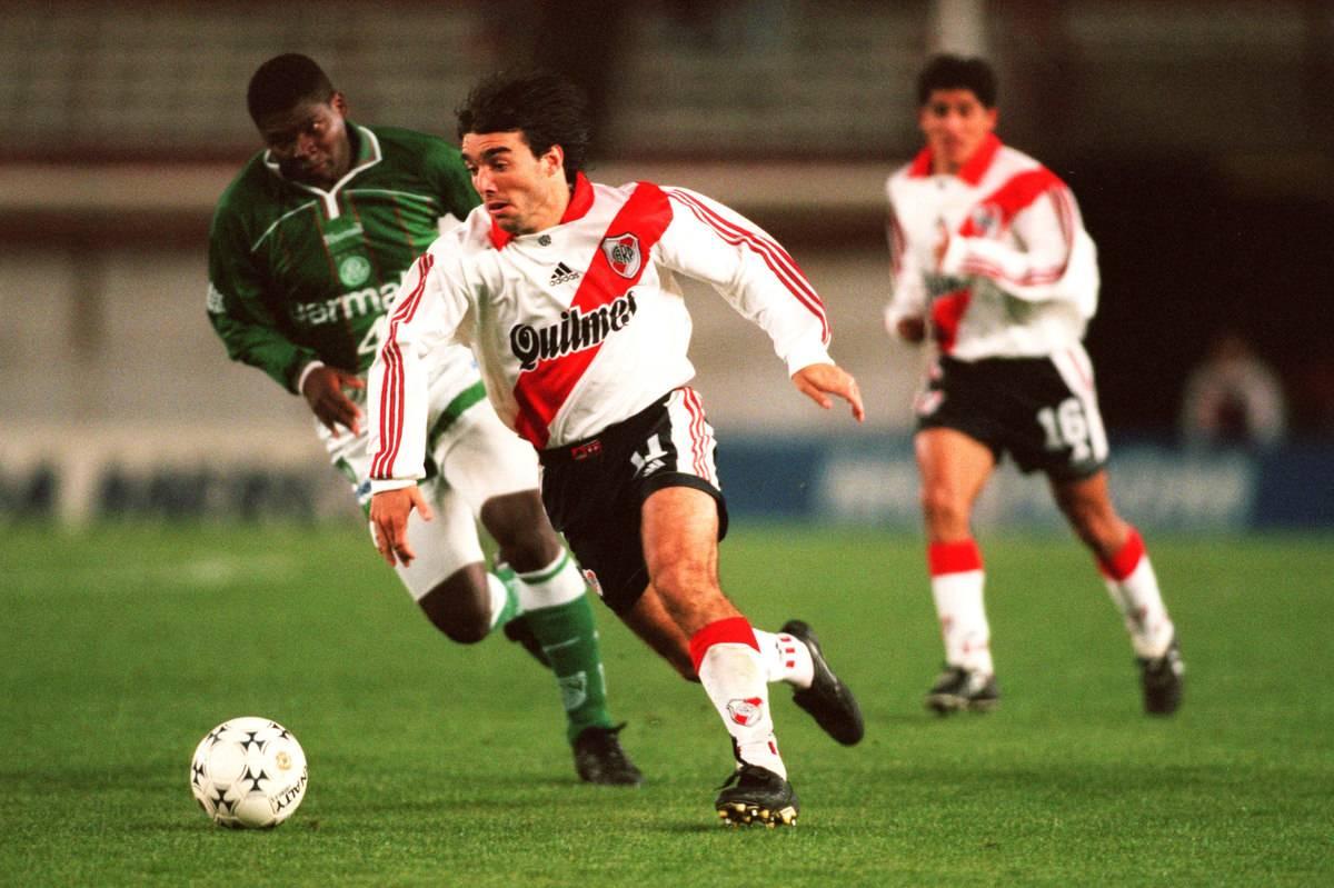 South American Soccer - Copa Mercosur - Group A - River Plate v Palmeiras