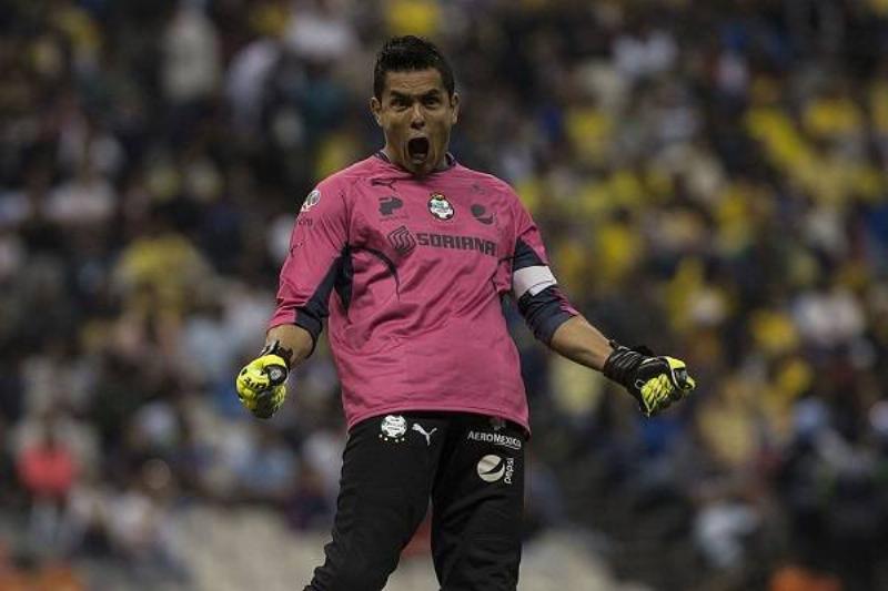 15 Oswaldo Sanchez 16