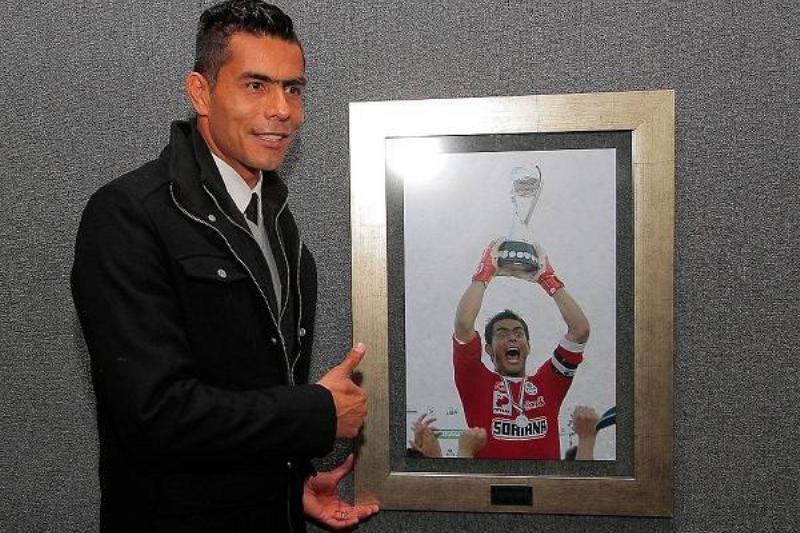 15 Oswaldo Sanchez 19