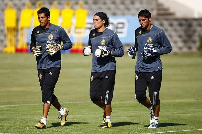 15 Oswaldo Sanchez 20