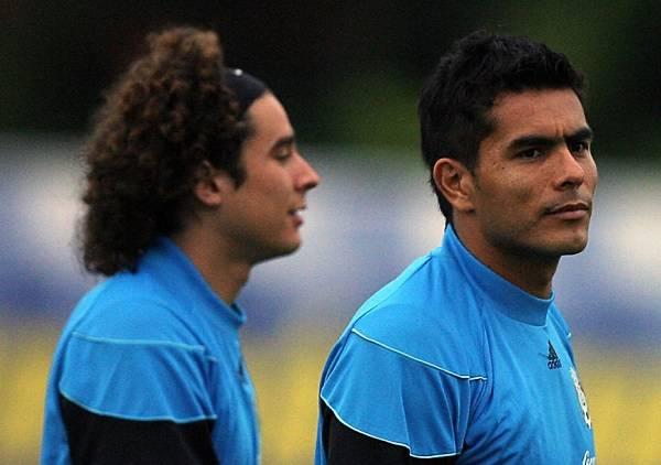 15 Oswaldo Sanchez 6