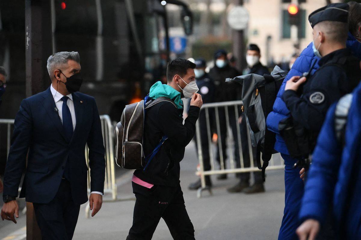 Barcelona's Argentinian forward Lionel Messi arrives at the team's hotel in Paris on March 9, 2021