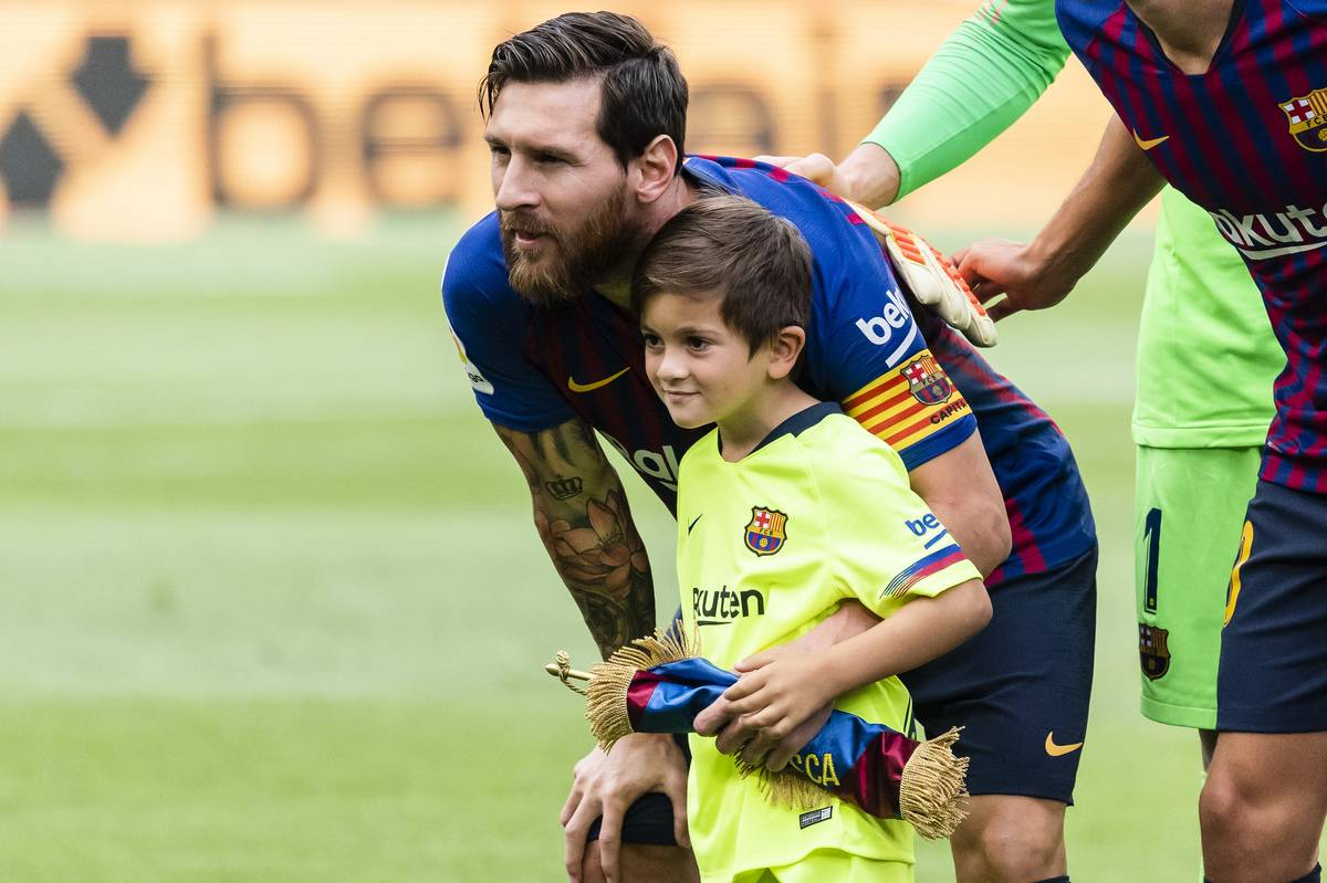 Lionel Andres Messi of FC Barcelona poses for photo with his son, Thiago Messi, prior to the La Liga 2018-19 match between FC Barcelona and SD Huesca at Camp Nou on 02 September 2018 in Barcelona, Spain