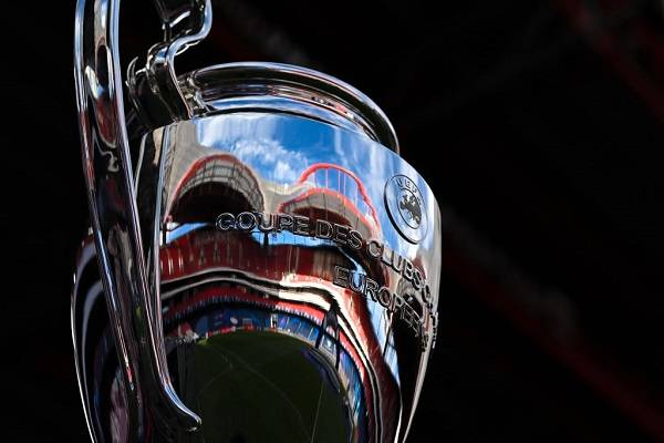 14 Final Champions 18