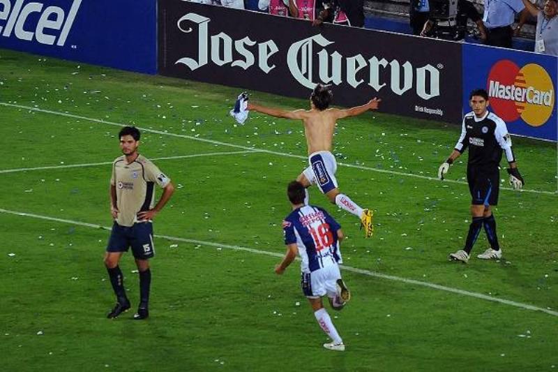 01 Cruz Azul Campeon 16