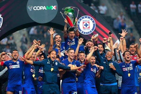 01 Cruz Azul Campeon 20
