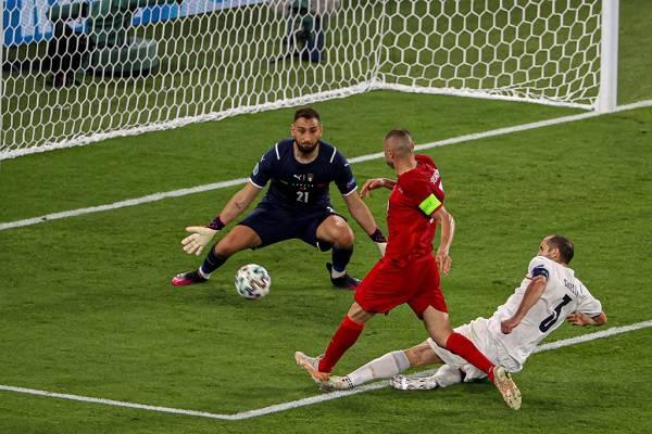 08 Estrellas Eurocopa 17