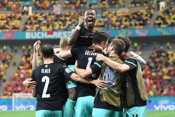 08 Estrellas Eurocopa 8