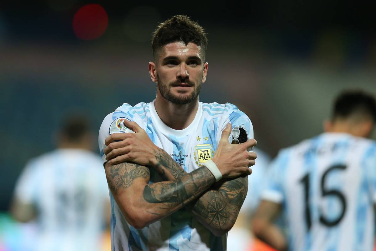 Rodrigo De Paul of Argentina celebrates after scoring the first goal of his team during a quarter-final match of Copa America Brazil 2021 between Argentina and Ecuador at Estadio Olimpico on July 03, 2021 in Goiania, Brazil