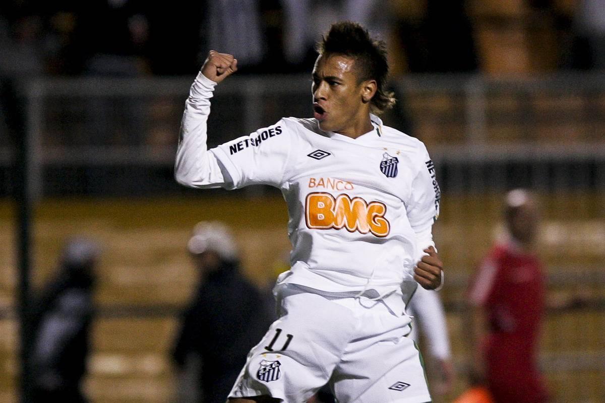 Santos v Once Caldas - Libertadores Cup 2011