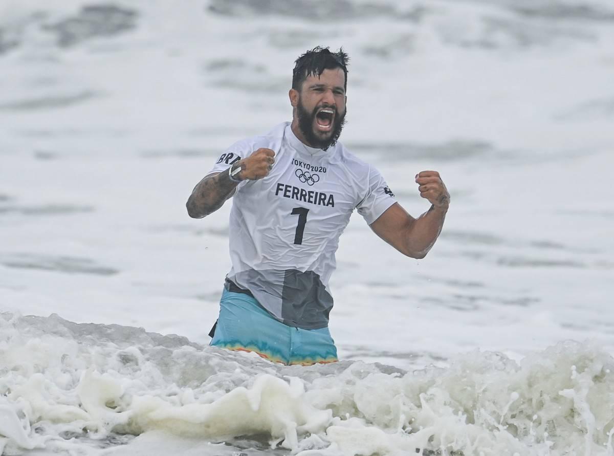 JAPAN-CHIBA-OLY-SURFING-MEN-FINAL