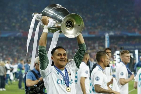 01 Latinos Champions 7