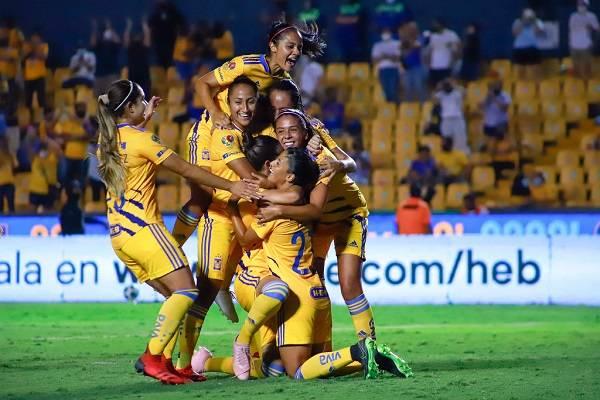 04 Futbol Femenino Mex 15