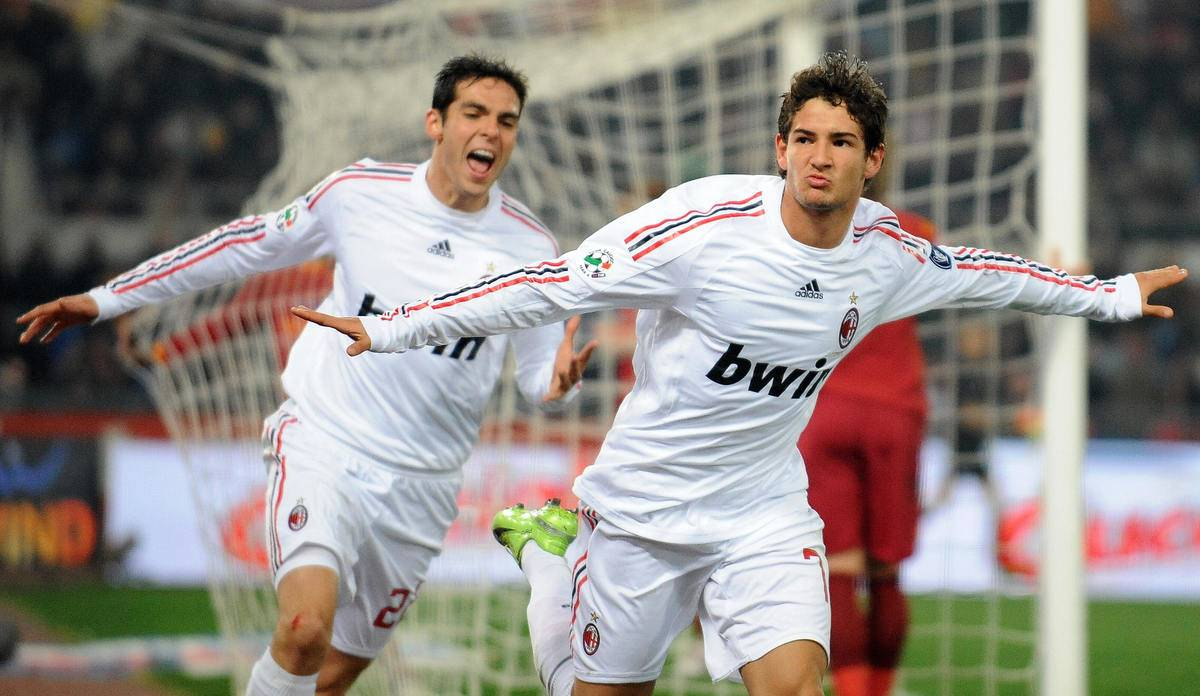 AC Milan's Brazilian Pato (R) celebrates his second goal against AS Roma with teammate Brazilian Kaka during their team's Italian Serie A football match on January 11, 2009 at Olympic stadium in Rome