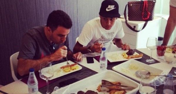 57. Renov Neymar 20 hechos 2.JPG