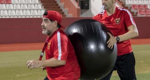 66. Maradona entrenamiento 2.jpg