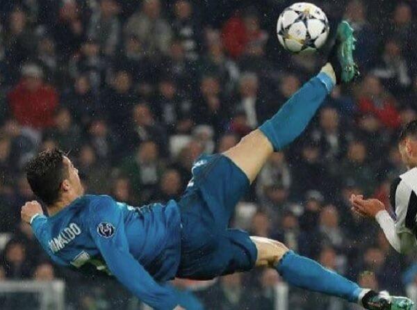 11 Ronaldo Chilena 1.jpg