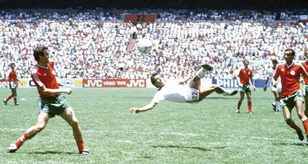 22 Gol Maradona No 1.jpg