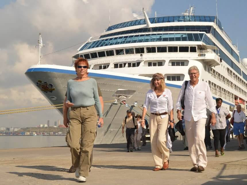 cruise-ship-6.jpg